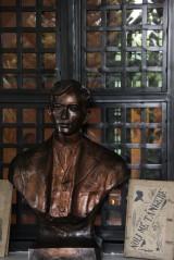 Rizal bust